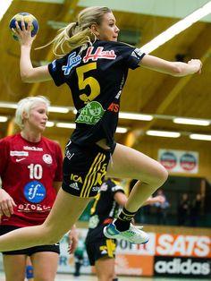 Handball - Hanna Fogelstrom from Sweden  (563×750)