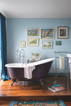 Browse modern bathroom designs and decorating ideas. Discover inspiration for your minimalist bathroom remodel, including colors, storage, and layouts. Bathroom Color Schemes, Bathroom Trends, Bathroom Colors, Bathroom Sets, Bathroom Renovations, Ikea Bathroom, Bathroom Stuff, Gold Bathroom, Bathroom Basin