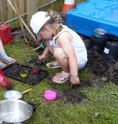 Making mud cakes and flans.
