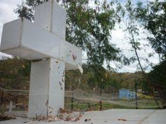 Cementerio sin servicio de limpieza.