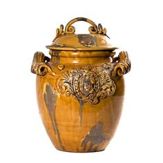 Intrada Italy's Medici honey jar is very majestic. Royal detailing influenced by the coat of arms gives renaissance sophistication and elegance. A unique amber tone gives dazzling dimension to the...