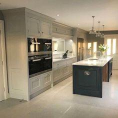 Modern Grey Kitchen, Grey Kitchen Designs, Luxury Kitchen Design, Kitchen Room Design, Luxury Kitchens, Home Decor Kitchen, Interior Design Kitchen, Home Kitchens, Open Plan Kitchen Dining Living