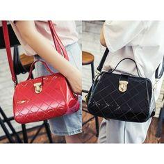 SALE MB-B89154-152RB (harga asli 177.000)-MATERIAL-PU-SIZE-L22XH17XW13CM-WEIGHT-750GR-COLOR-red black (ADA-TALIPANJANG--1RUANG)  #beautiful #fashion #instafashion #purse #shopping #stylish #girliaproject #girliafashionstore #tasimportmurah #tas #fashionaddict #tasfashion #grosirtasmurah #tasbatammurah #taskorea #tasbranded #tasmurmer  Belum termasuk ongkir :) Cek testi kita di @testigirlia :) Ngobrol soal produk sama admin? Bisa :D  Line@: @girliafashionstore (gunakan @ didepan) CS1…