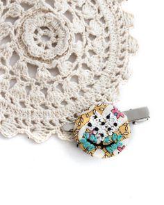 #embroidery #hairpin #brooch #myprettybabi #vegan https://www.etsy.com/listing/511554172/brooch-embroidery-brooch-brooch-pin