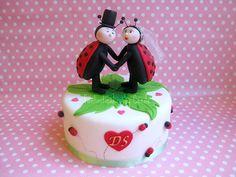 Ladybug Wedding Cake Topper This will sooooo be my wedding cake topper!!!!! OMFG!