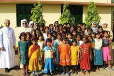 """Missionari cristiani denunciati in India per """"conversione dei tribali"""""""