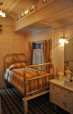 This Pullman Train car was built in the 20s:  this is a restoration .