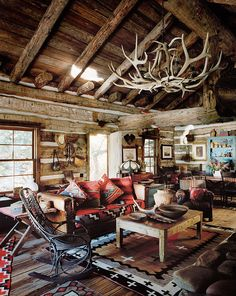 6 cozy cabin decor ideas for a winter getaway. Domino rounds-up cozy cabin inspiration from small cabins in Wisconsin, Missouri, Dunton Hot Springs and Ralph Lauren's Colorado Ranch! For more cottage, cabin and celebrity style go to Domino. Le Colorado, Colorado Ranch, Colorado Cabins, Casas Cordwood, Ideas De Cabina, Rustic Cabin Decor, Mountain Cabin Decor, Rustic Cabins, Hunting Cabin Decor