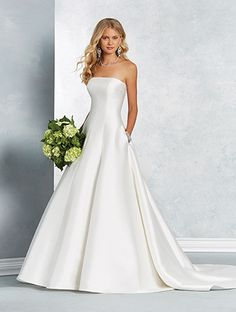 Alfred Angelo Style 2622: modern A-line wedding dress with strapless bodice