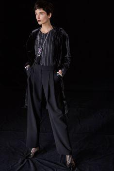 Giorgio Armani Pre-Fall 2018 Fashion Show Collection