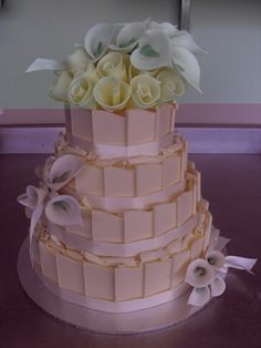 Cake with lilies