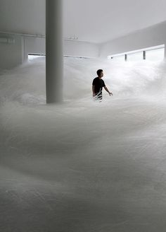 tokujin yoshioka's 'tornado' installation is made of millions of drinking straws piled into maze-like arrangements. see more on Modern Art, Contemporary Art, Art Et Architecture, Art Sculpture, Art Plastique, Public Art, Installation Art, Art Installations, Amazing Art