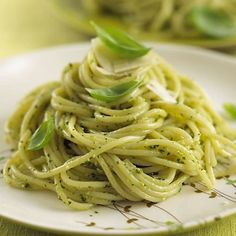 Spaghetti With Pesto Sauce - by OnlineRecipe.club