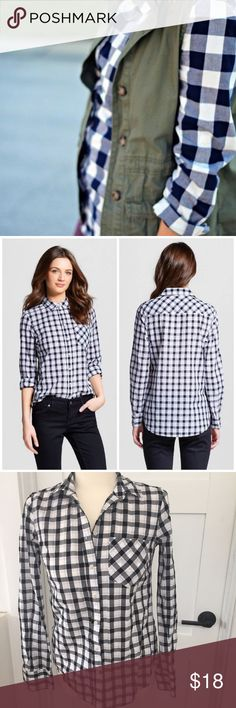Merona, b/w plaid button down, XS Cotton button down in black and white. One single pocket. Essential basic!! Size XS Merona Tops Button Down Shirts