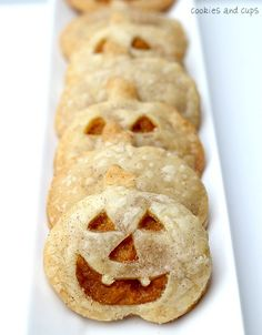 Pumpkin Pie Pockets!  Easy and so cute!