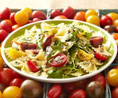 Pasta Salad with Tomatoes and Blue Cheese #rawjuiceco #vegetarian #vegetarianrecipes #pasta #bluecheese
