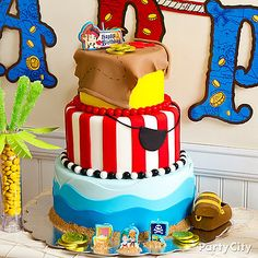 Yo ho, it's a pirate cake for all! Your band of buccaneers will want to dive right into this yummy fondant Jake and the Never Land Pirates cake - click for the how-to!