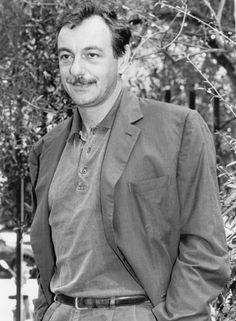 L'attore e regista è scomparso a 67 anni. Figlio di Eduardo, aveva iniziato a recitare da bambino. Una lunga carriera in palcoscenico, i ruoli al