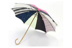 大切に使いたい。そんな気持ちになる日傘です。服地の生地で作られた「moZaiQue」という名の日傘。さまざまな素材の生地からなる...
