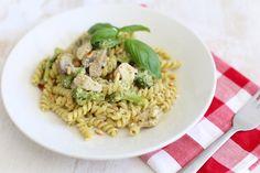 pasta met kip en champignons Pesto Pasta, Bon Appetit, Risotto, A Food, Recipies, Favorite Recipes, Lunch, Healthy Recipes, Cooking