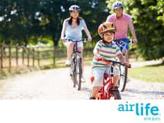 Ayúdanos a tener aire más limpio también en exteriores. LAS MEJORES SOLUCIONES EN PURIFICACIÓN DEL AIRE. En Airlife, somos especialistas en crear soluciones que nos ayudan tener aire puro en espacios interiores. Sin embargo, creemos que es una iniciativa de todos tener aire limpio en el ambiente común. Tú puedes contribuir a lograrlo, usando menos el automóvil, optando por la bicicleta y caminando cuando te sea posible. #airlife