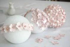 Aren't these pink DIY pomanders stunning? Want to make them for your wedding? All you need is a flower punch, pretty paper, styrofoam balls and some pearl tipped corsage pins. Check out the DIY pomander tutorial over at Pizzazerie. Diy Flowers, Paper Flowers, Spring Flowers, Hanging Flowers, Diy Hanging, Flower Colors, Flower Ideas, Beautiful Flowers, Wedding Centerpieces