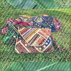 ✨JUANAS CLUTCHES ✨ VOS CON CUAL TE QUEDAS??? ❤️ #color #baiga #bags #summer #juanas #clutch #sobres #bolsos #onda #hippiechic #style #fashion #look #moda #stylish #cool #wow #summer #accesorios #details #verano