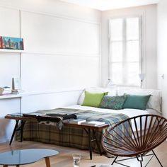 cushions by Caravane, lamps by Tsé Tsé, plaids by Secret Maison    Pour en savoir plus : Le coin chambre du mini loft - Marie Claire Maison