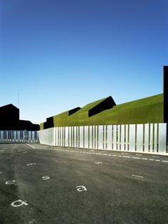 Elementary and Primary Public School in Roldán / Estudio Huma