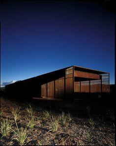 AUSTRALIA. Glenburn, Victoria. Australia. Architect: Sean Godsell. Project Name: Glenburn House, 2007. www.seangodsell.com