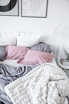 75 Insight Why Are People So Obsessed With Minimalist Bedroom Decor Dream Bedroom, Home Bedroom, Bedrooms, Magical Bedroom, Bedroom Chest, Deco Design, Design Design, Home And Deco, Bedroom Inspo
