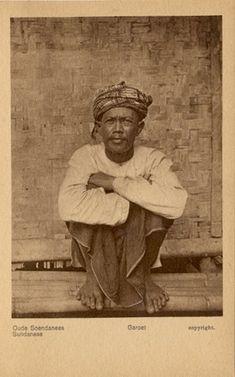 Oud Soendanese van Garoet circa 1900.