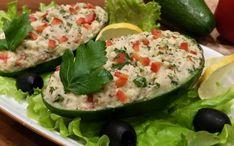 Greitai pagaminama avokado užkandėlė su tunu, puikiai tiks tiems, kas laikosi pasninko ar tiems, kas nevalgo mėsos. Aš šią užkandėlę tikrai paruošiu Kūčioms, nes tiek skoniu, tiek patiekimu šis patiekalas mums labai patiko. Dalinuosi ir su jumis šiuo receptu, gal kam patiks! Avokadą
