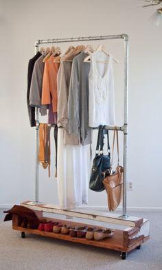 diy kleiderstange zum selber machen aus einem ast und zwei seilen als garderobe homely. Black Bedroom Furniture Sets. Home Design Ideas