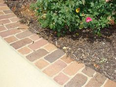 Drive way extension ideas - I like these bricks, would make sure they match the house bricks, and make it maybe one more brick width wider. Concrete Driveway Pavers, Stone Driveway, Driveway Landscaping, Driveway Ideas, Driveway Edging, Circular Driveway, Walkway, Paver Designs, Brick Edging