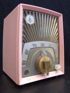 "EMERSON ""Sunburst"" old bakelite tube radio, vintage 1950's.Modernistic Jetsons."