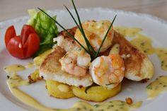 Hoy os dejamos otra de esas recetas que es facilísima de hacer y que de sabor está genial, y que en un ratito la podéis poner en el plato a los invitados y se...