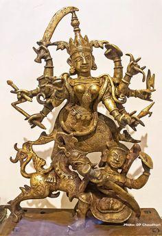 Metal Sculptures, Lion Sculpture, Kali Goddess, Durga Maa, Gods And Goddesses, Ancient Art, Ganesh, Bengal, Shiva