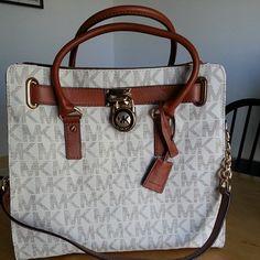16b7ec4cac1d Black Handbags, Mk Handbags, Designer Handbags, Michael Kors Satchel,  Handbags Michael Kors