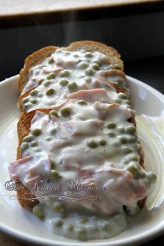 Creamed Chipped Ham (Beef) on Toast - SOS chipped beef on toast sos creamed beef and peas bechamel sauce epicurious comfort food Creamed Chipped Beef, Creamed Beef, Creamed Ham Recipe, Ham Recipes, Cooking Recipes, Dinner Recipes, Brunch Recipes, Dried Beef Recipes, Casserole Recipes