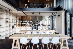 TILT Completes its First Gallery/Restaurant on Regent's Canal
