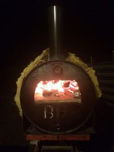 Turn an oil drum barrel into a pizza oven! – Your Projects Outdoor Kitchen Bars, Pizza Oven Outdoor, Outdoor Cooking, Outdoor Kitchens, Outdoor Rooms, Outdoor Living, Outdoor Bars, Clay Pizza Oven, Portable Pizza Oven
