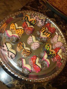 Boobie cake pops