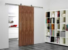 Skyvedører kan frigjøre mye plass som du ikke visste at du hadde - Byggmakker+ Kitchen Sliding Doors, Sliding Door Hardware, Compact Living, Panel Doors, Wood Doors, Diy Kitchen, Innovation Design, Tall Cabinet Storage, Lounge