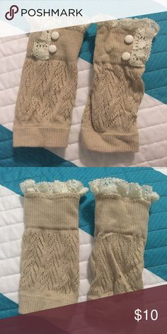 Lacy Boot Toppers These are adorable, but my legs are too wide for them! Only worn once. They measure 7 inches flat when stretched out. Perfect for fall and winter!  🚭Smoke free home! 🐱I have a cat. Accessories Hosiery & Socks