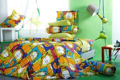 GARFIELD Garfield, Master Bedroom Closet, Bed Styling, Cool Beds, House Rooms, Room Inspiration, Childhood Memories, Pop Art, Blanket