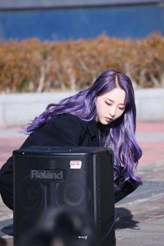 Kpop Girl Groups, Kpop Girls, Mamamoo Moonbyul, Lee Minhyuk, Bright Stars, Bts Pictures, Purple Hair, Girl Crushes, Rapper