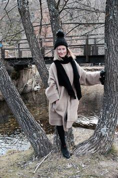 http://www.diseneitorforever.es/abrigo-camel-turismo/  #fashion #look #invierno #outfit