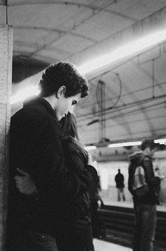 B&W Photo - couple in subway