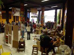O projeto Passeio da Vila recebe semanalmente atrações para o público infantil e adulto.